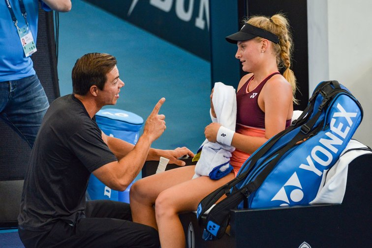 Sascha Bajin Defends Dayana Yastremska Some People Should Shut Up Tennisnet Com