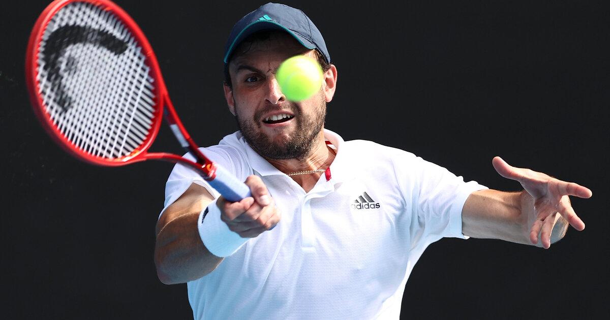 Australian Open: Qualifikant Karatsev nach Sieg über angeschlagenen Dimitrov im Halbfinale - tennisnet.com