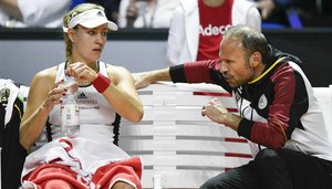 Angelique Kerber mit Fed-Cup-Chef Jens Gerlach
